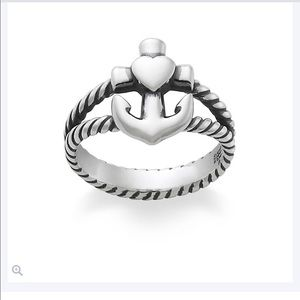 Authentic james Avery ring